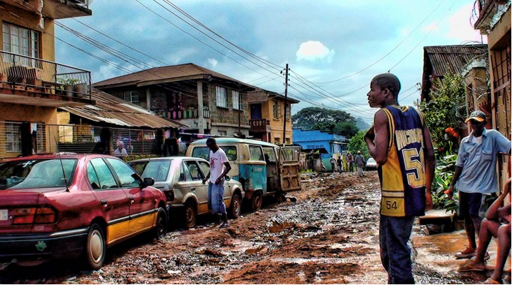 Youths hanging out in Freetown, Sierra Leone. Photo: Mats Utas